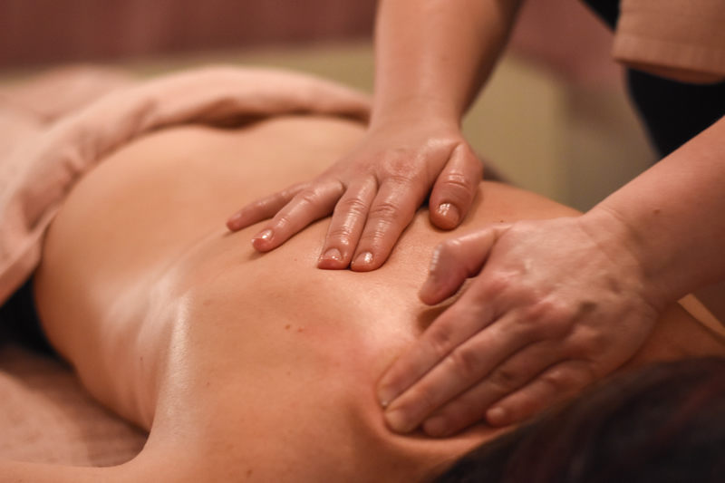 Gua Sha Accupressure for natural relief of pain and stress